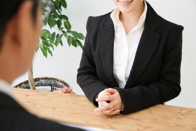 買取業者の女性