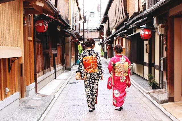 着物姿の女性2人組