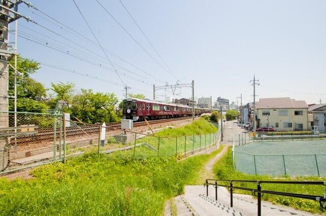 尼崎に走る列車