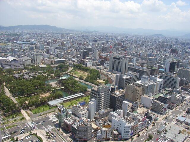 高松城から見た高松市
