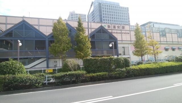 浦安駅前の道路
